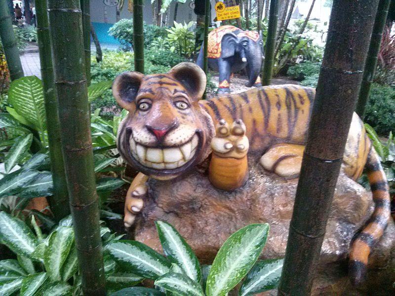 Sri Racha Tiger Zoo.jpg