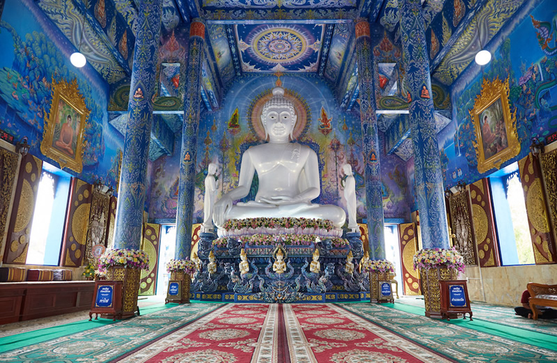 Admire majestic murals at the Blue Temple.jpg