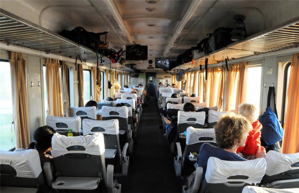 VNR_soft_seat_coach.jpg