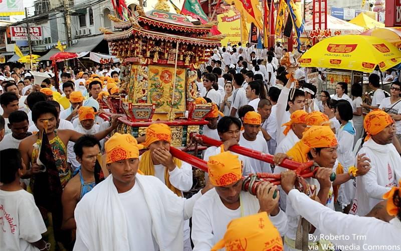 Vegetarian_Festival_in_Phuket_-_Thailand_-_13_Oct._2010.jpg