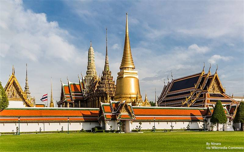 800px-Wat_Phra_Kaew_by_Ninara_TSP_edit_crop_副本.jpg