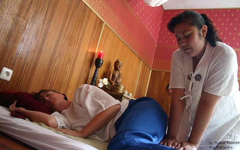 Most massage shops offer loose clothing.