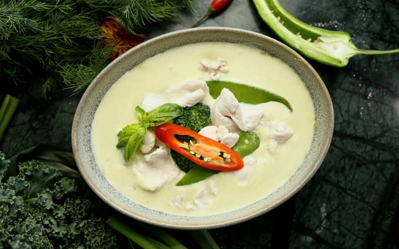 Green curry dish