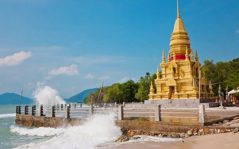 Laem Sor Pagoda in Koh Samui