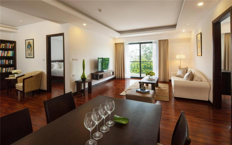 Elegant Suites Westlake.jpg