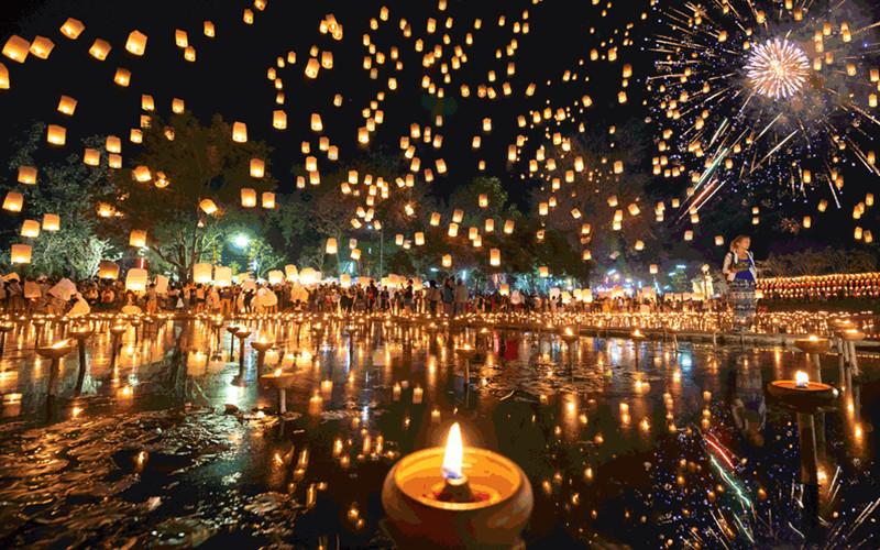Chiang Mai Loy Krathong Festival.jpg