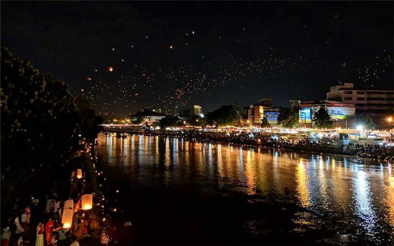 Narawat Bridge Yee Peng Festival.jpg