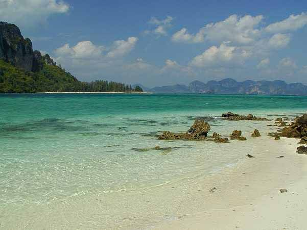 Four Island One Day Tour by Speed Boat with Lunch from Krabi
