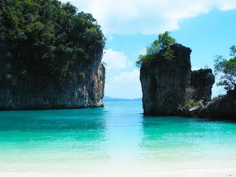 Koh Hong and Ao Talane Kayaking One Day Tour by Long-tailed Boat from Krabi  with Lunch