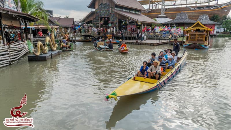 Pattaya Floating Market.jpg