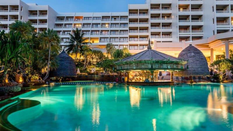 Mövenpick Resort & Spa Karon Beach Phuket.jpg