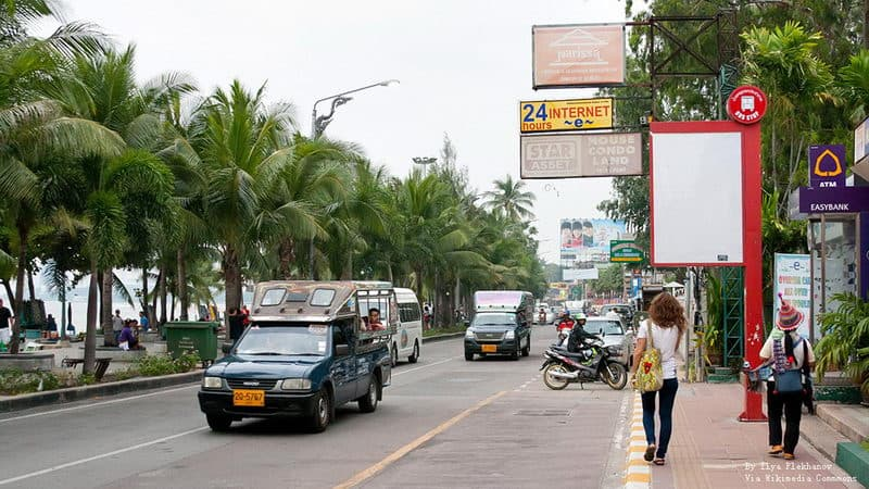 Beach Road pattaya.jpg