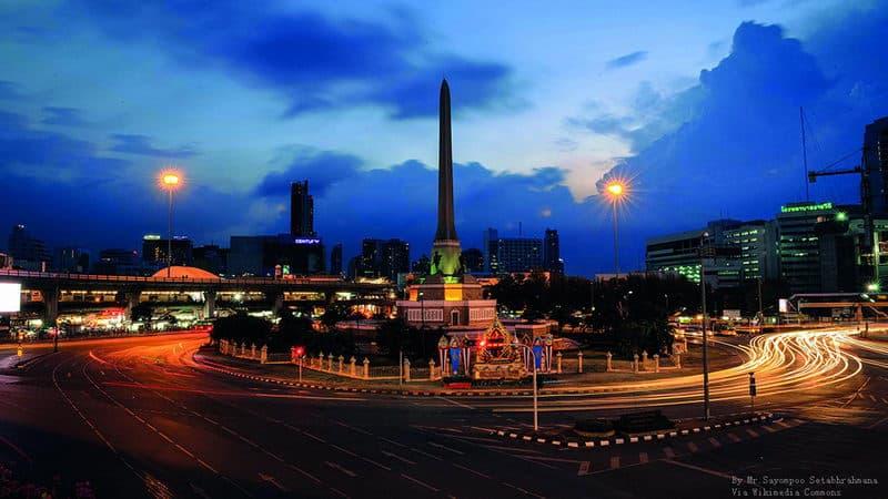 Bangkok_Victory_Monument_3.jpg