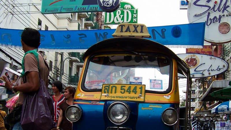 tuktuk-224036_1920(1).jpg