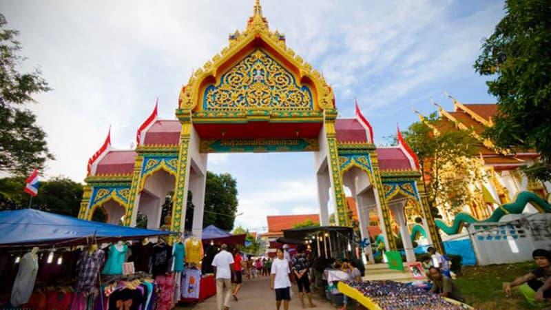 Karon Temple Market.jpg