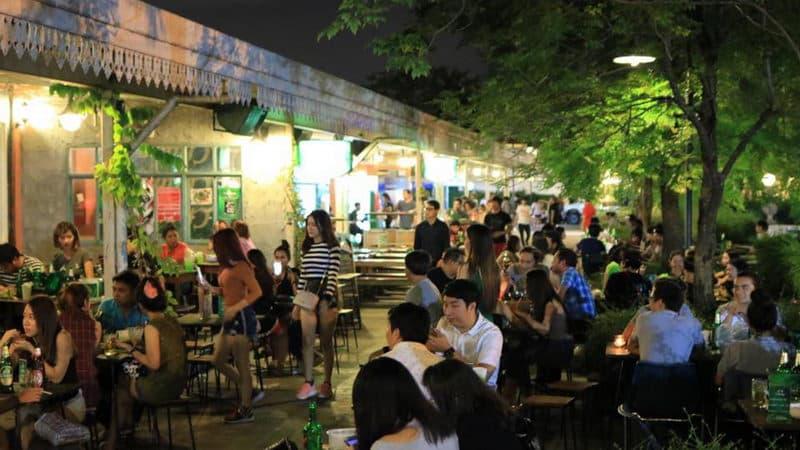 Rot Fai Market (Train Night Market).jpg