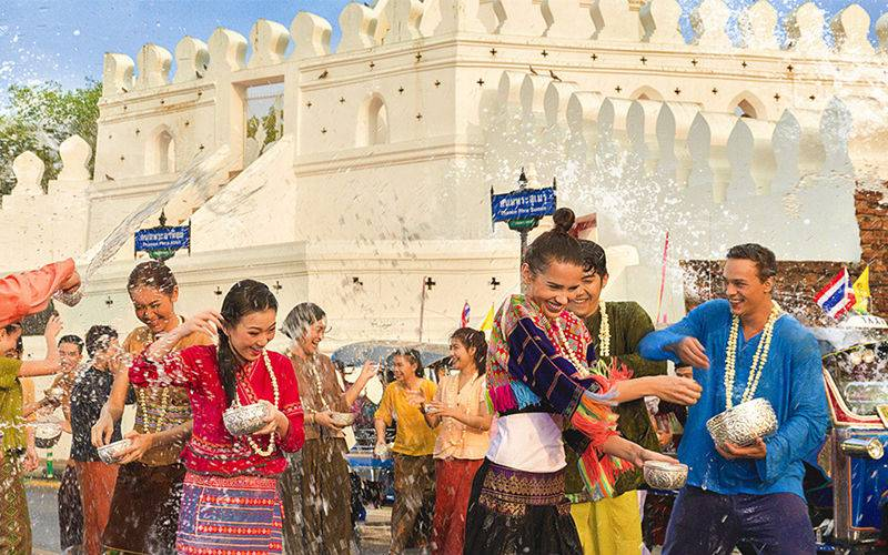 How to Survive in Songkran Festival