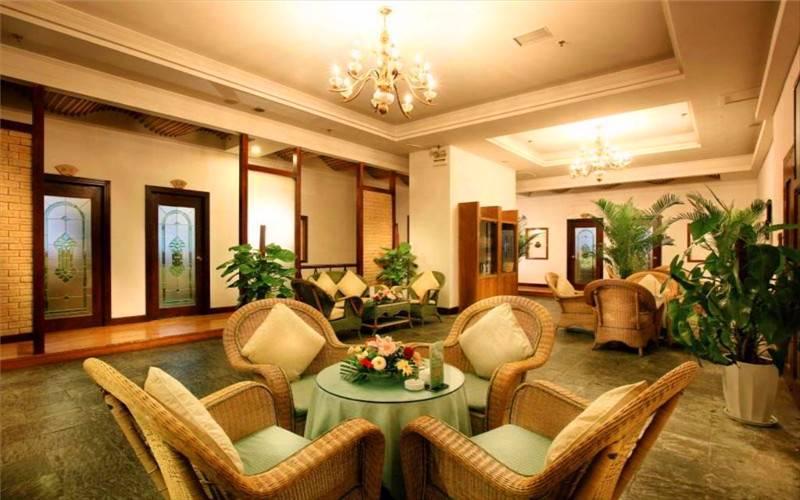 Green Land Hotel