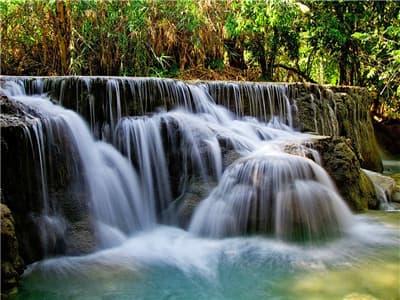 Kuang Si waterfall pic