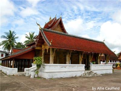 Wat Mai Suwannaphumaham pic