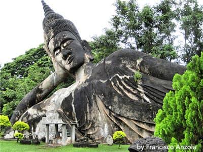 Wat Xieng Khuan pic