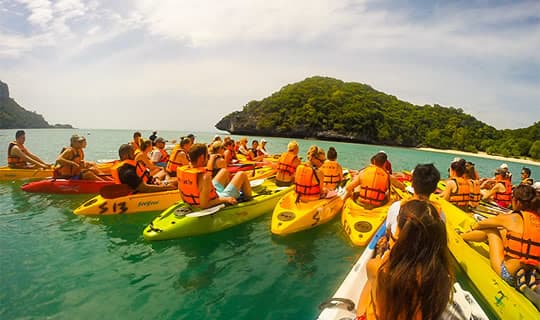 Angthong Marine Park One Day Tour by Escort Boat with Lunch