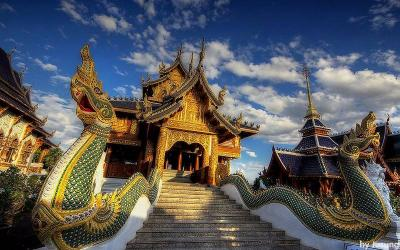 Grand Blue temple ( Wat Baan Den)