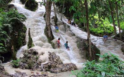 Bua Tong Sticky Waterfalls