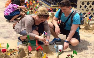 Form Sand Pagodas