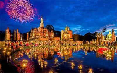 Sukhothai Loy Krathong and Candle Festival