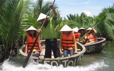 Vietnamese Bamboo Basket Boat