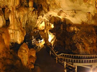 Tham Jang Caves