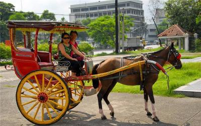 Horse-drawn Carriage Ride (Calesa)